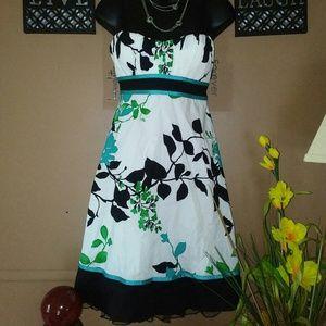 NWOT Strapless Formal Mini Dress.